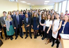 Model UN participants
